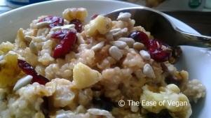 Quinoa - Serving peanut butter breakfast cereal